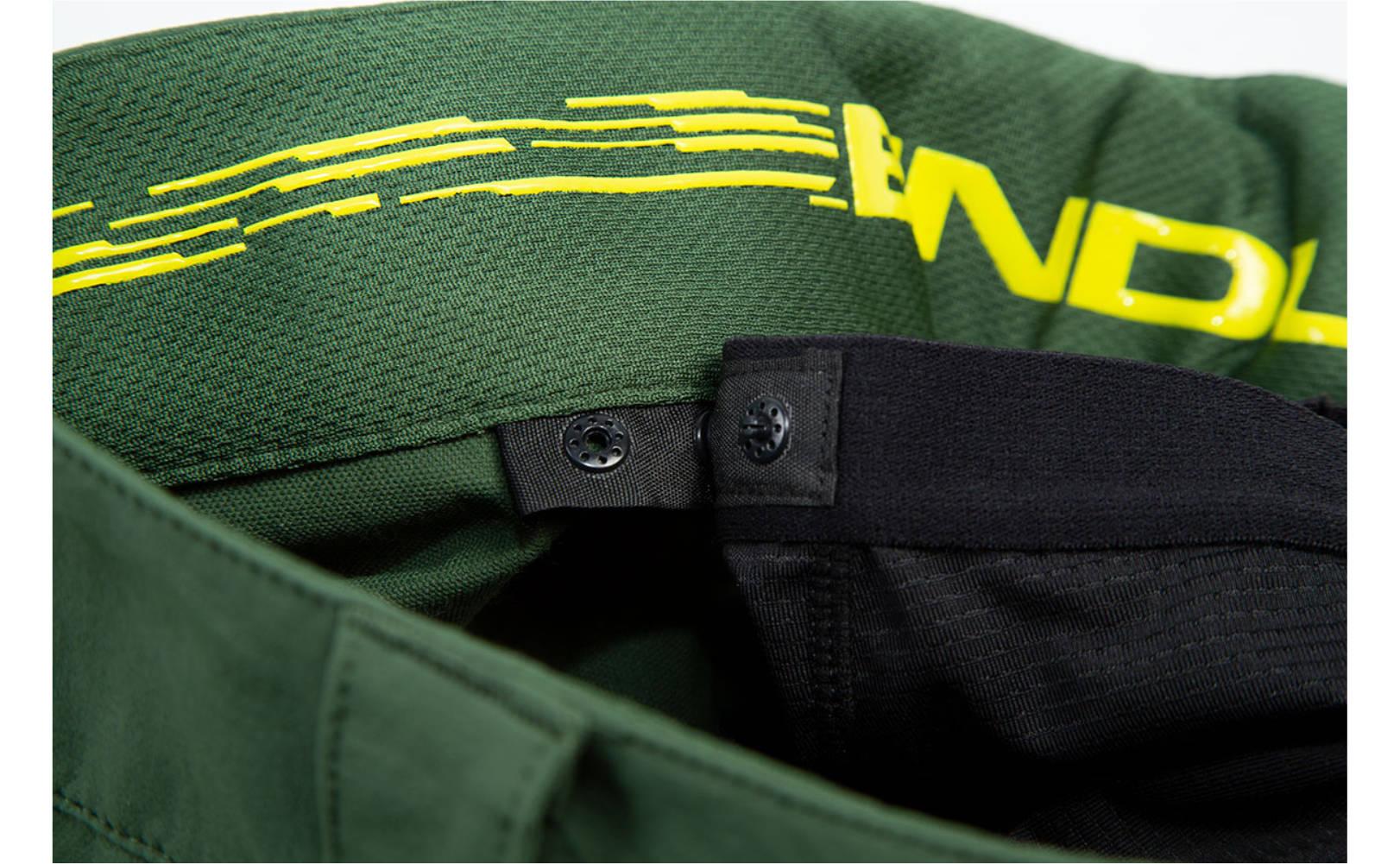 Endura SingleTrack II Trouser in Forest Green - Inside Clickfast System